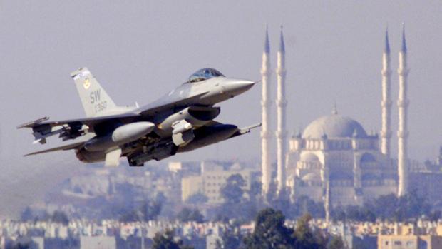 Estados Unidos asegura que la tensión diplomática con Turquía no afecta a las operaciones militares conjuntas