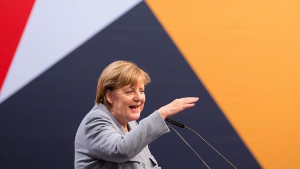 Merkel se enfrenta a su última batalla electoral en Sajonia