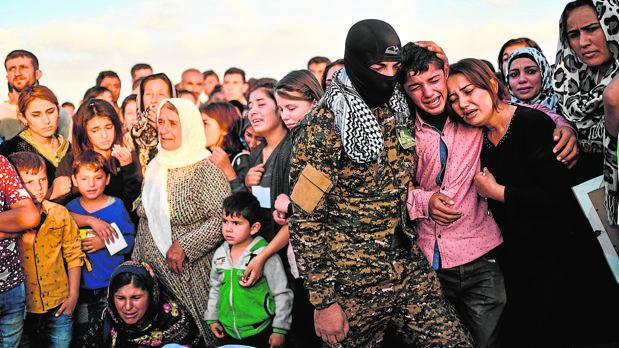 Funeral en Siria por un kurdo muerto en enfrentamientos con Daesh