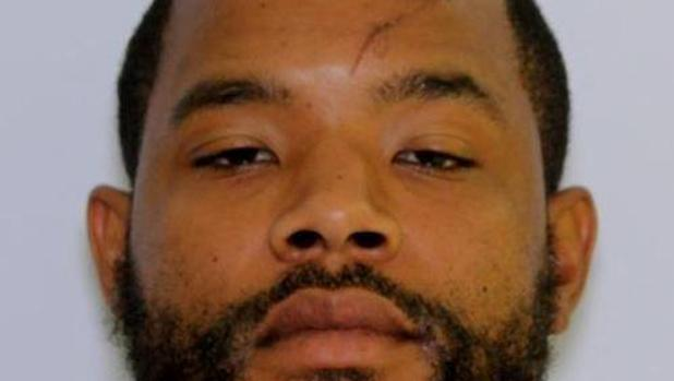 Radee Prince, de 37 años, logró darse a la fuga tras matar a tres personas