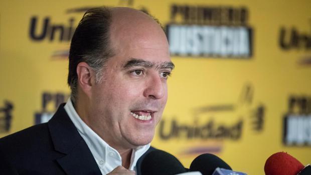El presidente del Parlamento, Julio Borges