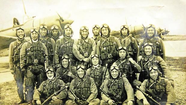 Pilotos kamikaze japoneses, algunos de los cuales que participaron en la Batalla de Okinawa