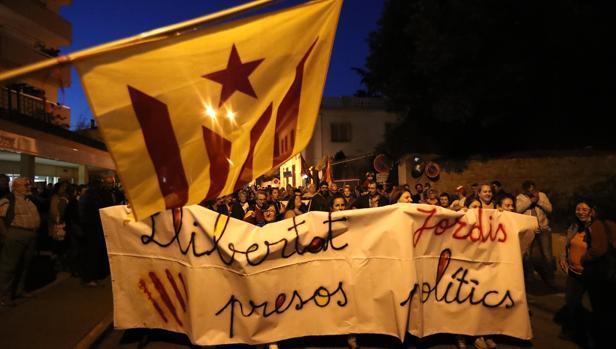 «¿Puigdemont se exiliará en Perpiñán?», mofas en Francia por las últimas propuestas independentistas