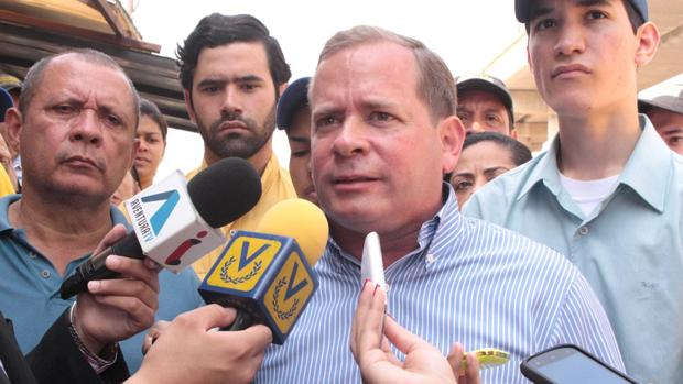 Maduro destituye al único gobernador que no se humilló