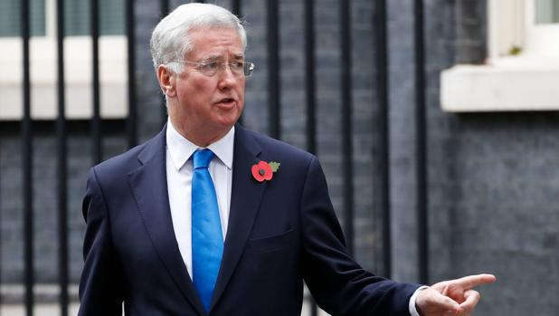 El ministro de Defensa británico, Michael Fallon, tras la reunión semanal del gabinete