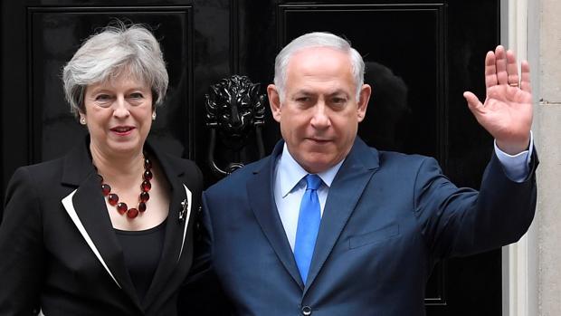 May afirma, ante Netanyahu, que los «asentamientos ilegales» son un «obstáculo» para la paz