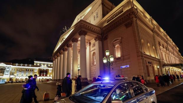Evacuados el Bolshói, un hotel y un centro comercial por múltiples amenazas de bomba en Moscú