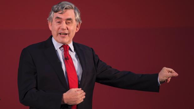 EE. UU. engañó al Reino Unido sobre el armamento de Irak según el ex primer ministro Gordon Brown