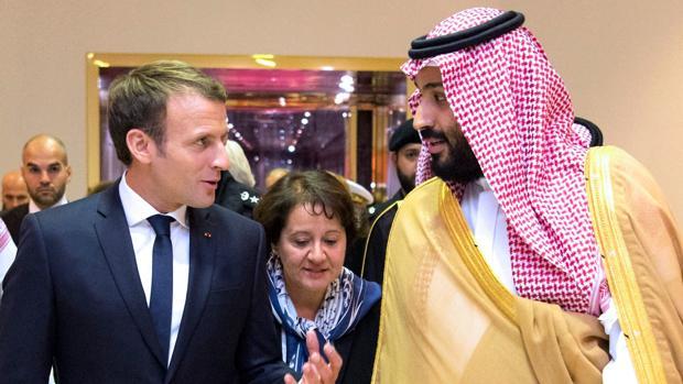 Macron termina en Líbano su gira triunfal por las autarquías musulmanas