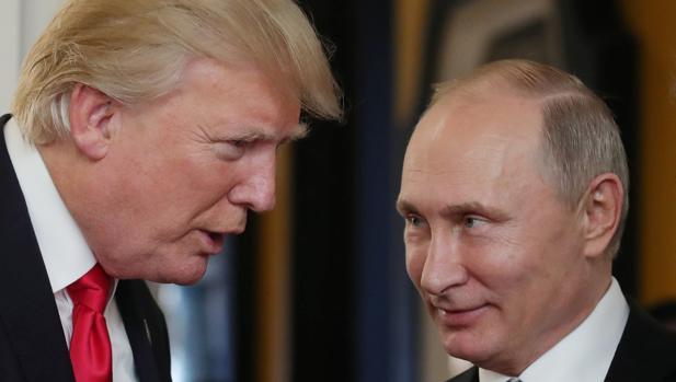 Putin y Trump niegan la injerencia rusa en EE.UU. y abogan por mejorar las relaciones