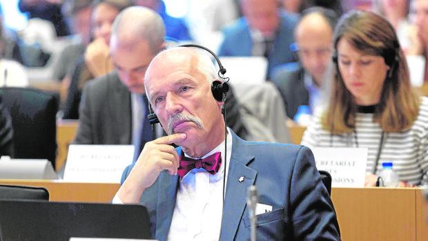 El eurodiputado polaco de extrema derecha Janusz Korwin-Mikke