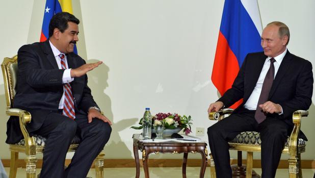 Rusia da un respiro a Venezuela al reestructurar su deuda