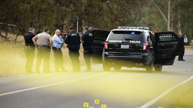 El autor del tiroteo junto a una escuela de California había asesinado antes a su mujer