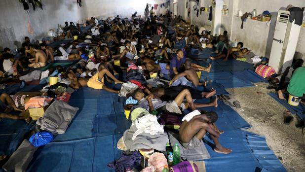 Hombres por 400 euros: los «mercados de esclavos» regresan a Libia