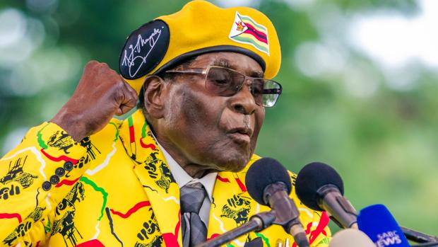 Mugabe, destituido del partido del Gobierno de Zimbabue