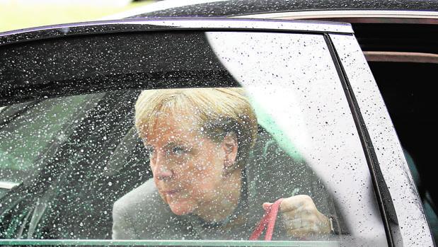 Merkel, a su llegada a la reunión donde iban a tener lugar las negociaciones para formar gobierno, en Berlín