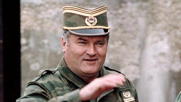 El jefe militar de la matanza de Srebrenica morirá en la cárcel