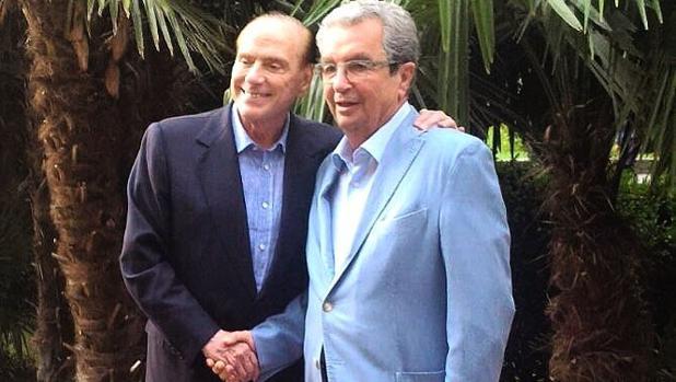 Silvio Berlusconi, con Henri Chenot , el pasado mes de agosto