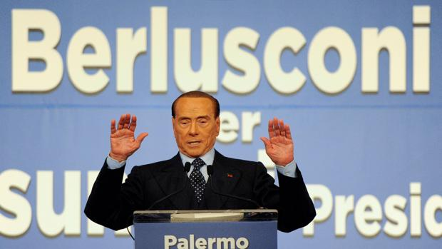 Silvio Berlusconi, durante un mitin para las elecciones regionales, en Palermo