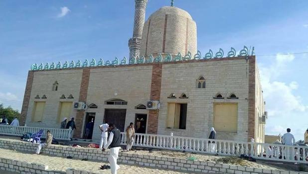 Al Sisi promete venganza «brutal» por el atentado más grave sufrido en Egipto