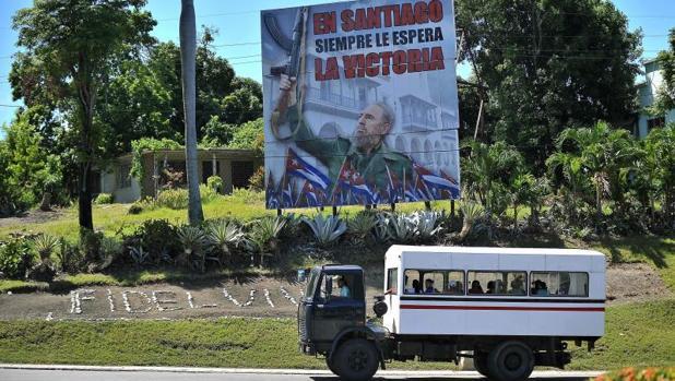 Un año después de la muerte de Fidel Castro, la vida de los cubanos es más dura si cabe