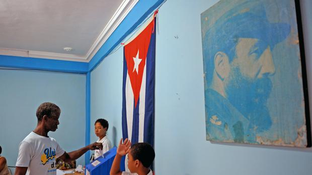 Fidel Castro no murió, solo hubo «desaparición física», según el régimen cubano