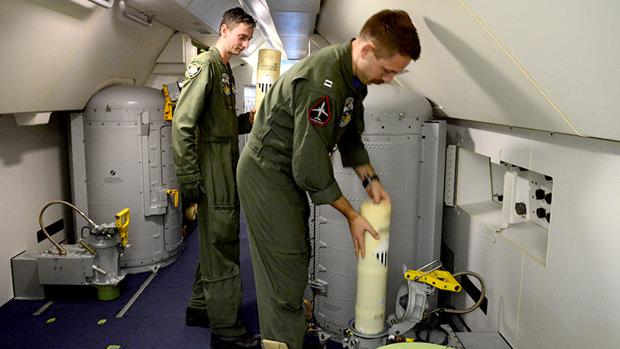 Hemeroteca: El último mensaje del submarino: «Entra agua y se inicia un incendio» | Autor del artículo: Finanzas.com