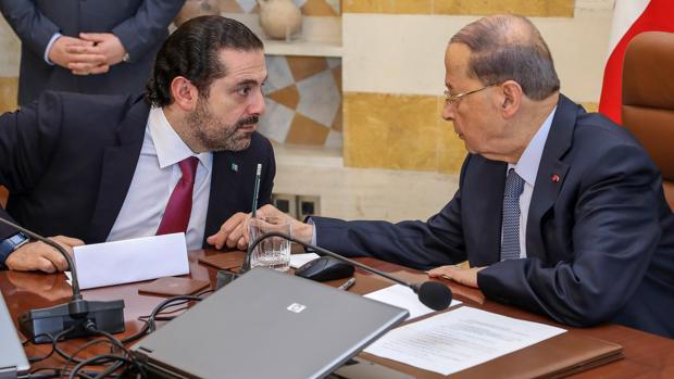 El primer ministro libanés Saad Hariri (izquierda) con el presidente libanés, Michel Aoun