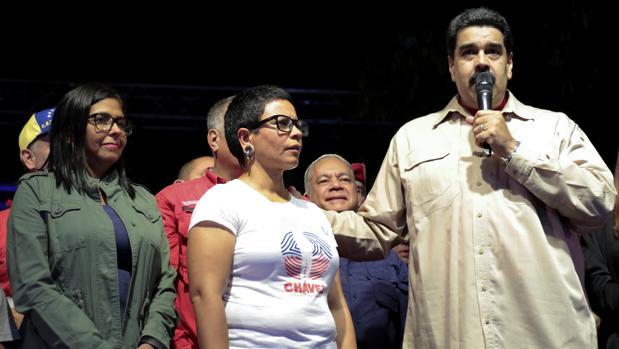 La oposición se rebela contra el intento de Maduro de laminarla