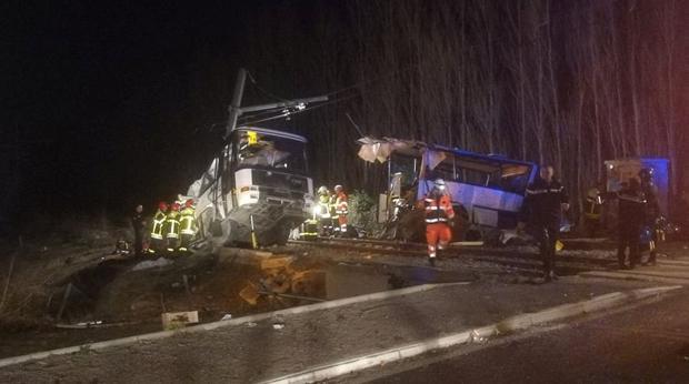 La Prefectura de Pirineos Orientales ha emitido un comunicado en el que confirmó un «accidente grave»