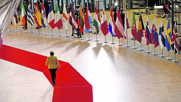 La canciller Merkel, a su llegada a la cumbre en Bruselas