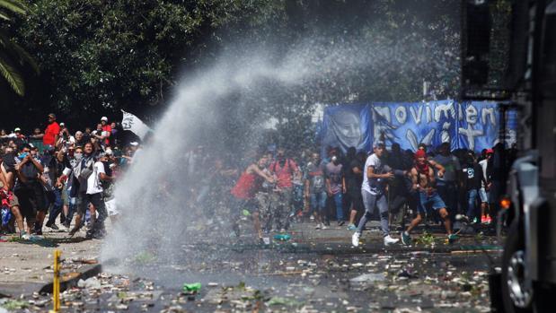 Disturbios en Buenos Aires dejan al menos 81 heridos y 48 detenidos