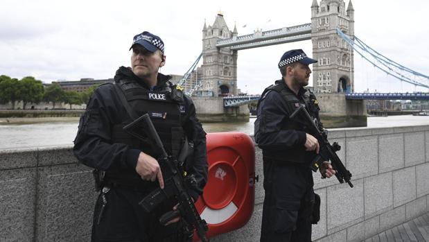 Detenidas cuatro personas en Reino Unido sospechosas de preparar un atentado durante la Navidad