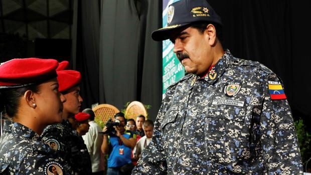 Maduro da el primer paso para prohibir los partidos opositores