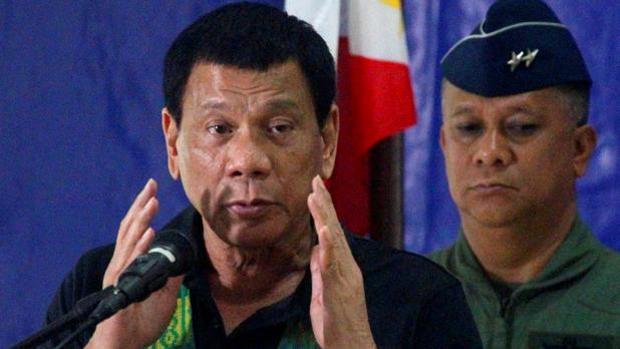 Al menos 4 muertos y 81 desaparecidos tras naufragar un barco en la costa oriental de Filipinas