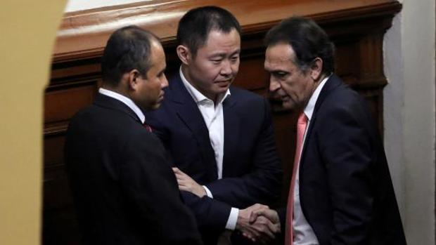 Estalla la guerra entre la prole del Alberto Fujimori