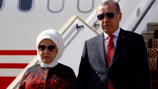 Erdogan «regala» a los turcos una purga de 2.700 funcionarios por Navidad