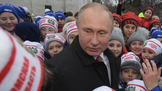 El Kremlin amenaza con procesar a Navalni por su boicot a las elecciones presidenciales