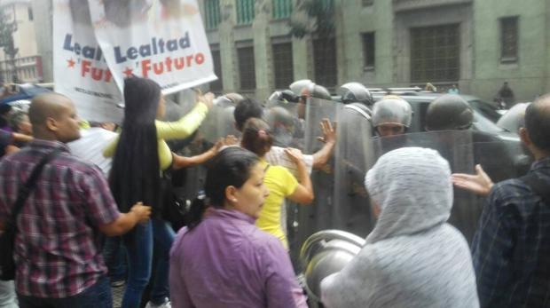 El régimen de Maduro despide en masa de los 6.000 empleados de la Alcaldía Metropolitana de Caracas