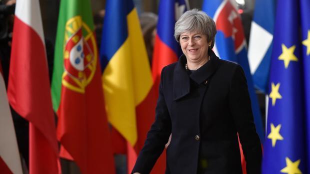 Dimite un asesor de May: «El Brexit es un espasmo populista digno de Donald Trump»