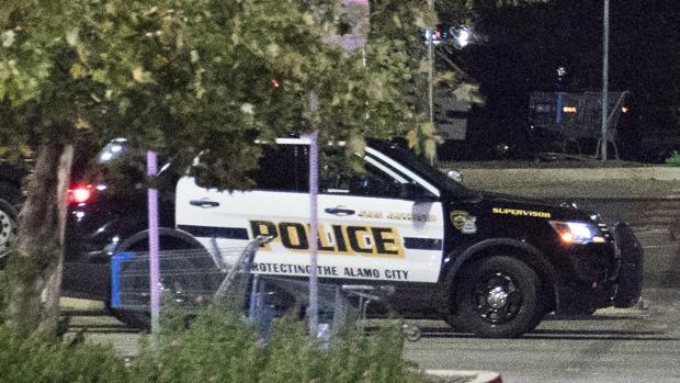 Mueren tres personas tras un tiroteo en un taller mecánico de Houston