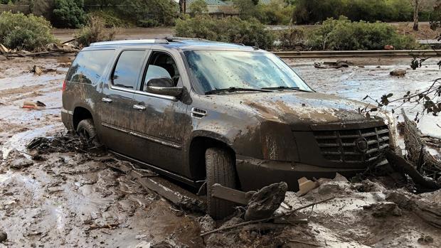 Al menos trece muertos y más de una veintena de heridos por las fuertes inundaciones en California