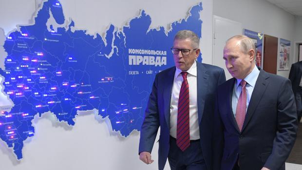 Putin aprovecha un encuentro con directores de medios para atacar a EE.UU