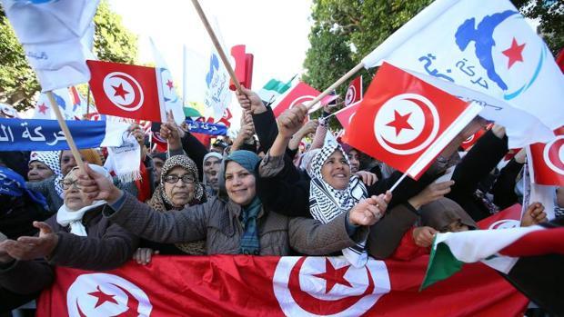 Túnez cede ante las protestas con una pequeña subida del subsidio a los más desfavorecidos