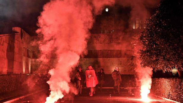 Aprobados en el Parlamento griego los recortes y reformas exigidos por los acreedores