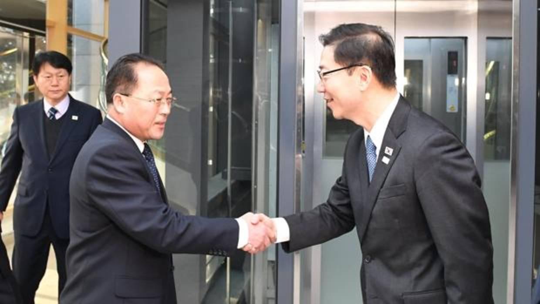 Las dos Coreas desfilarán juntas bajo una sola bandera en los Juegos Olímpicos de Invierno