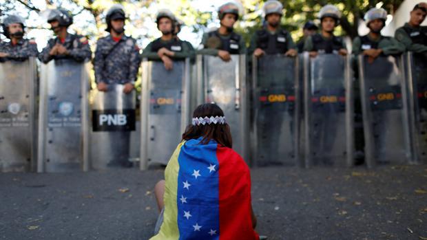 El policía rebelde Óscar Pérez, enterrado en un cementerio cerrado por el régimen de Maduro