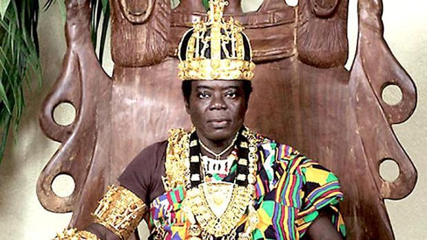 Cefas Bansah, el rey que gobierna a 300.000 ghaneses por Skype e «inspira» a Puigdemont