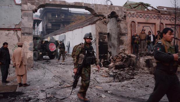 Aspecto que presentaba la zona tras el atentado terrorista contra «Save the Children» en Jalalabad