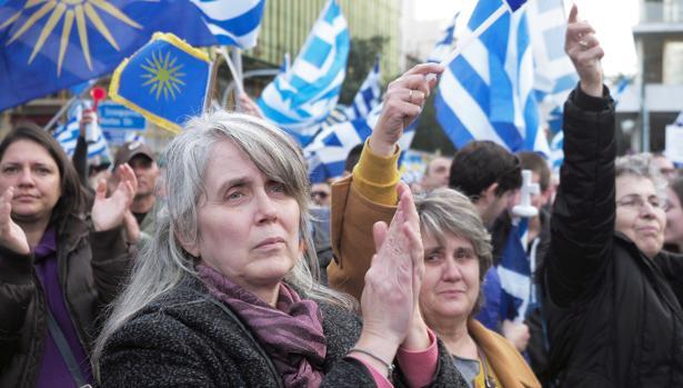 Una multitud pide en Atenas que el país vecino no se llame Macedonia